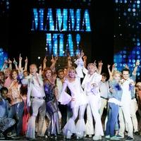 A Mamma Mia! bemutatójával indul az évad a Madách Színház