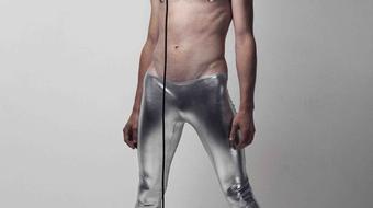 Punk-balett David Bowie-val a Trafóban