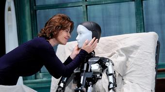Gregor Samsa robottá változik a Trafóban