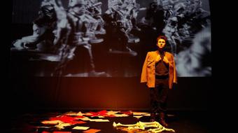 Dal és háború, színház nélkül
