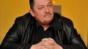 A Magyar Teátrumi Társaság Vidnyánszky Attila mellett