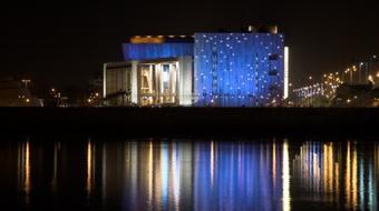 Peter Brook Varázsfuvolája a Budapesti Tavaszi Fesztiválon
