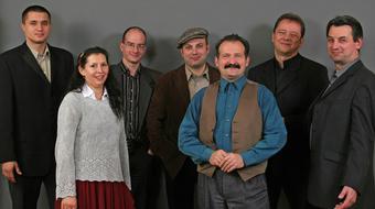 Tűzkárosult családért ad koncertet a Csík Zenekar Egerben