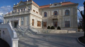 Végh Péter Jászai-gyűrű díjat és közönségdíjat kapott a tatabányai színházban