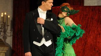 Csak egy operettrevü
