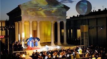 A Traviata, valamint a Rómeó és Júlia az Iseumi Szabadtéri Játékokon