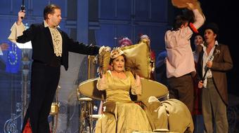 Bolha a fülbe – Vidnyánszky Feydeau-val nevettet a Csokonai Színházban