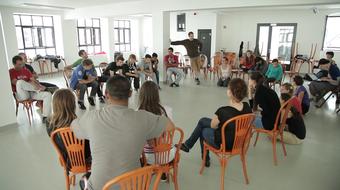 FESZTáv-nézőpont 1.: Lokális és független