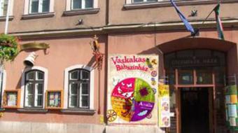 Ingyen mehet több mint 300 gyerek a győri Vaskakas Bábszínház előadásaira