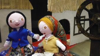 Banyamesék: három népmese zenével és bábokkal