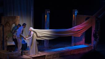 Az eredeti Hamlet – Szabadkai színház előadása Debrecenben