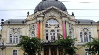 Új magyar darabok a Vígszínház következő évadában
