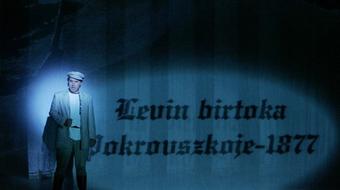 Anna Karenina visszatér, ugyanúgy, ahogy az imént megjött