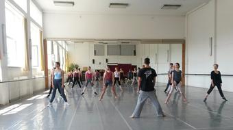 Ingyenes tánckurzus a Közép-Európa Táncszínházzal
