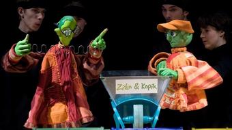 Vagabondó-premier és mesenapok a temesvári színházban