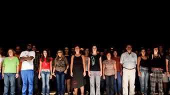 100 civillel a színpadon kezdi évadát a MU Színház