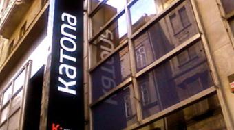 A bukaresti Tóték érkezik a Katonába