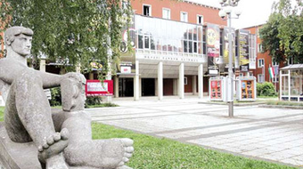 Ősbemutatóval kezdődik a színházi évad Zalaegerszegen