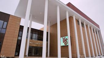A főtéren tartott évadnyitó társulati ülést a szombathelyi Weöres Sándor Színház