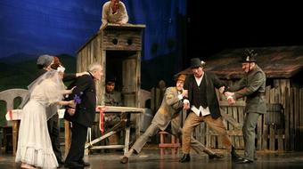 Ismét színházi előadások a Benczúr Házban
