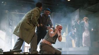 Fényevők – Gorkij-bemutató a Katona József Színházban