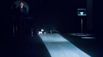 Megöltem az anyámat: Visky András az Aradi Kamaraszínházban rendez