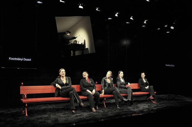 Nőnyugat - fent: Szalai András, lent: Kerekes Viktória, Lázár Kati, Für Anikó, Hámori Gabriella, Bíró Kriszta