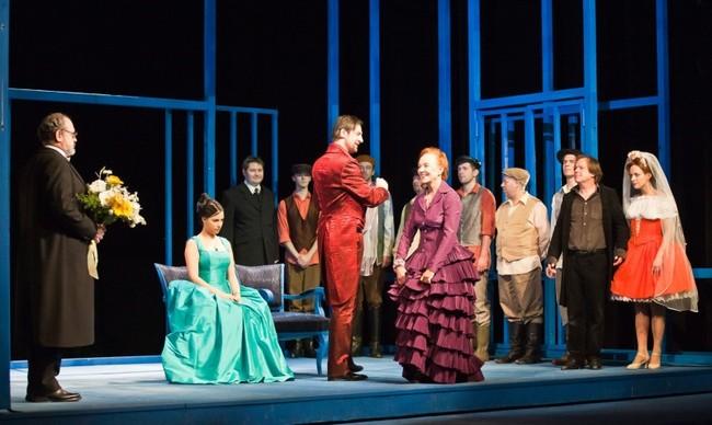Figaro házassága - középen: Pindroch Csaba, Bajcsay Mária
