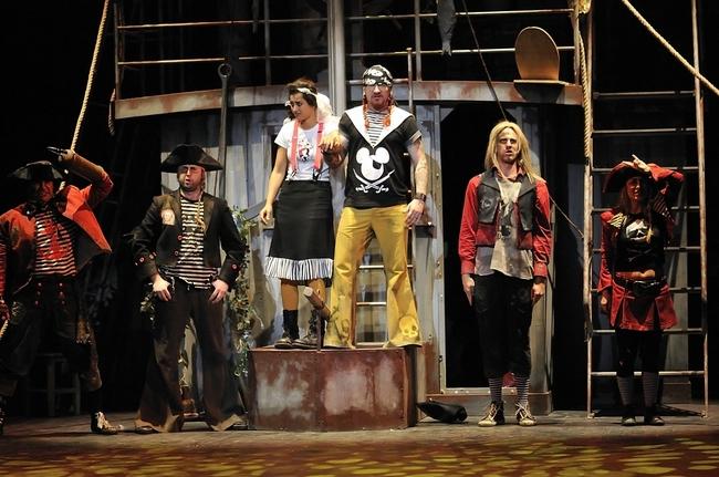 Popeye - középen: Trokán Nóra, Ganxsta Zolee
