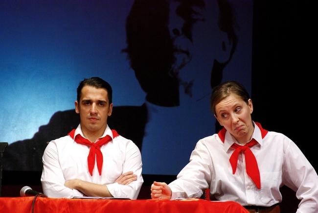 Eleje - Notóriusok 30.1 - Kovács Lehel (Nagy Péter) és Kiss Eszter (a háttérfotón látható Major Tamás szerepében)