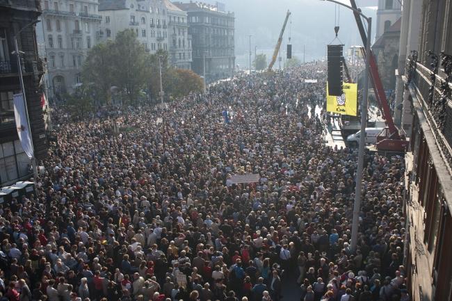 A Gondnokok köztük is jártak - Milla-tüntetés 2012. október 23-án