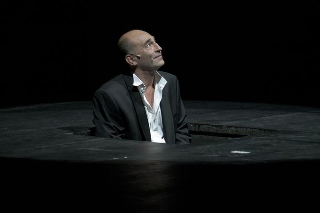 Kulka János a Színikritikus-díj átadó gálájának műsorában (2012)