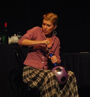 Majom a ketrecben (a Pesti Broadway Stúdió vizsgaelőadása) - Hekler Melinda