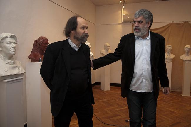 Dr. Csorba László, a Nemzeti Múzeum főigazgatója és Babusa János szobrászművész