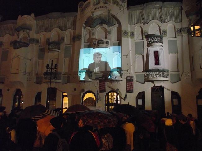 Szimpátiatüntetés Szegeden a REÖK előtt