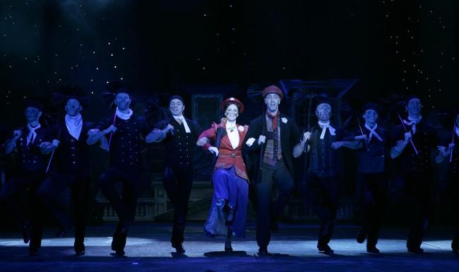 Mary Poppins - középen: Polyák Lilla, Csonka András