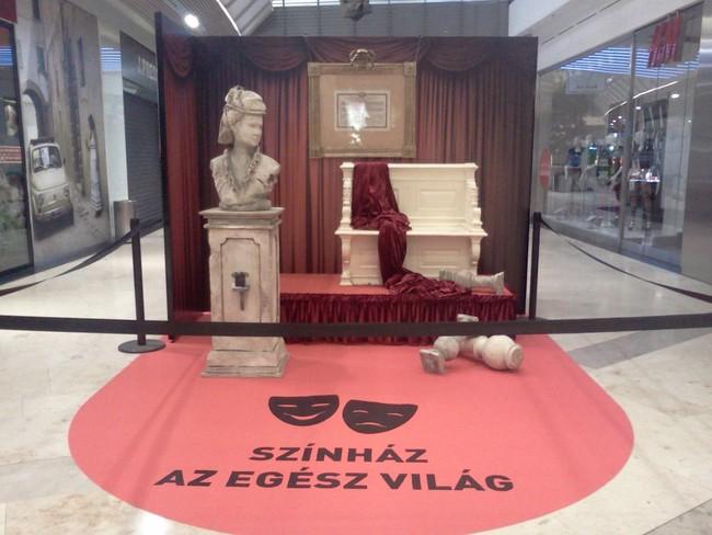 Kiállítás az Alleeban