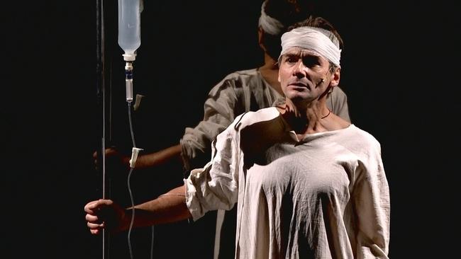 Kuna Károly a Vörösmarty Színház Trió című előadásában, Robert Schumann szerepében