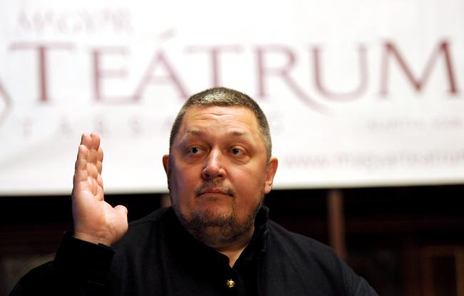 Vidnyánszky Attila, a debreceni Csokonai Színház igazgatója, a Magyar Teátrumi Társaság (MTT) elnöke az MTT tizedik közgyűlésén a Magyar Állami Operaházban 2012. november 28-án
