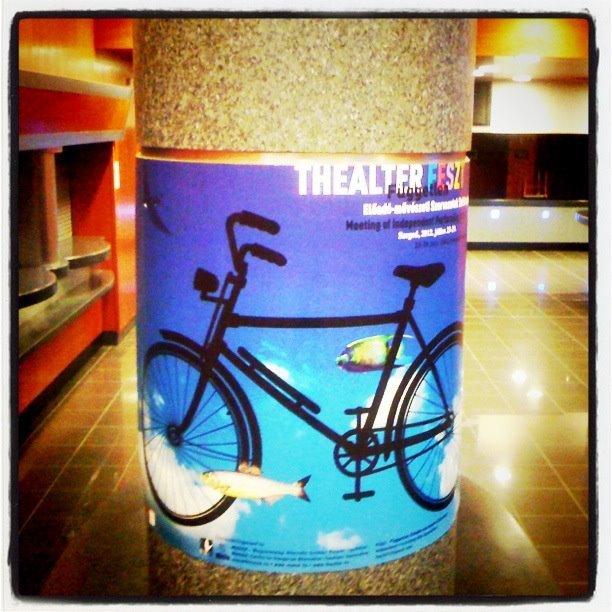 THEALTER-plakát a Szegedi Nemzeti Színház Kisszínházában