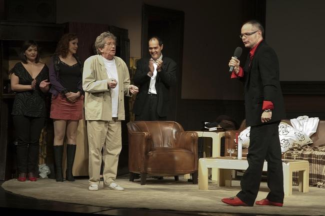Játszd újra, Sam! - 30 éves jubileum - jobbra: Várnai Péter, a Vígszínház művészeti titkára