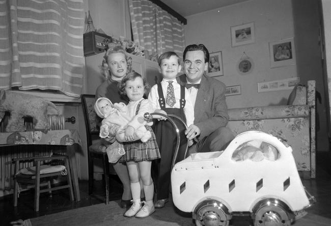 Rátonyi Róbert és családja