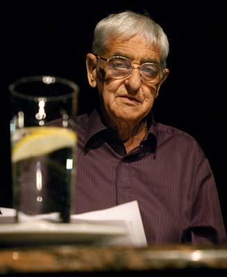Kézdy György a Levelek Palesztinából című előadásban (2008)
