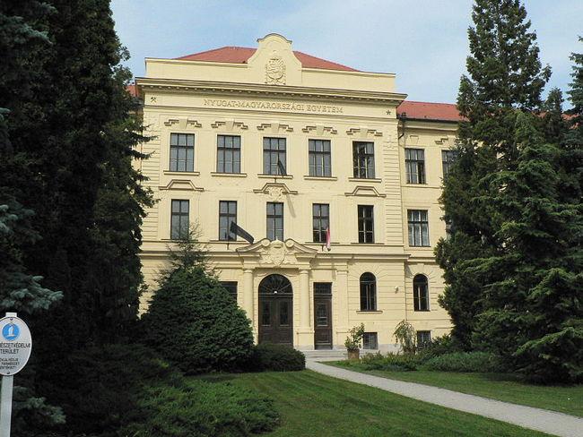 Nyugat-magyarországi Egyetem főépülete, Sopron