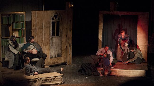 Az eredeti Hamlet - Mezei Kinga, Mészáros Árpád, Csernik Árpád, Molnár Zoltán, Ralbovszki Csaba, Béres Márta, Mészáros Gábor