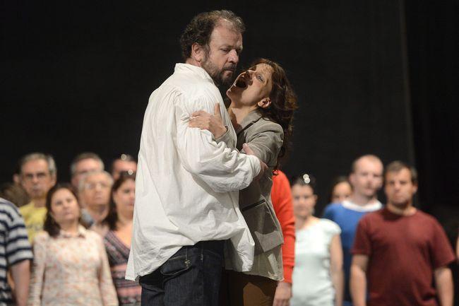 Kiss B. Attila (Don José) és Létay Kiss Gabriella (Micaela) a Carmen próbáján az Erkel Színházban