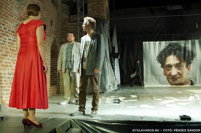 Hamlet - elöl: D. Albu Annamária, Márton Lóránt, Nagy Alfréd