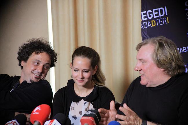 Béres Attila rendező, Gyüdi Melitta tolmács és Gérard Depardieu