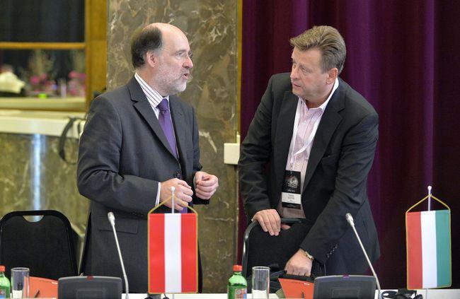 Walter Kobéra a Neue Oper Wien művészeti igazgatója és Bátor Tamás, a Magyar Állami Operaház művészeti tanácsadója