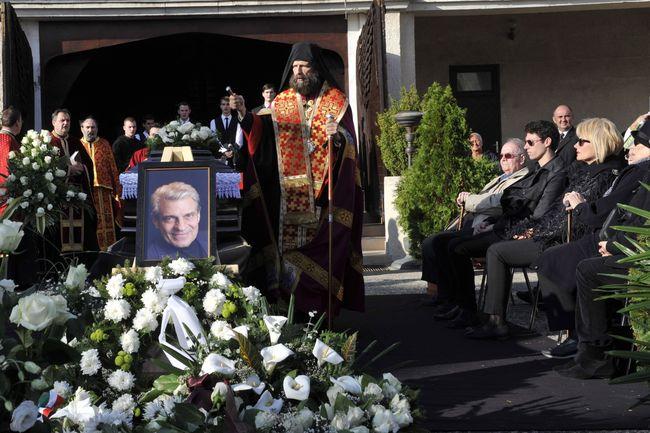 Kocsis Fülöp görög katolikus megyés püspök Sztankay István színművész búcsúztatásán a Farkasréti temetőben